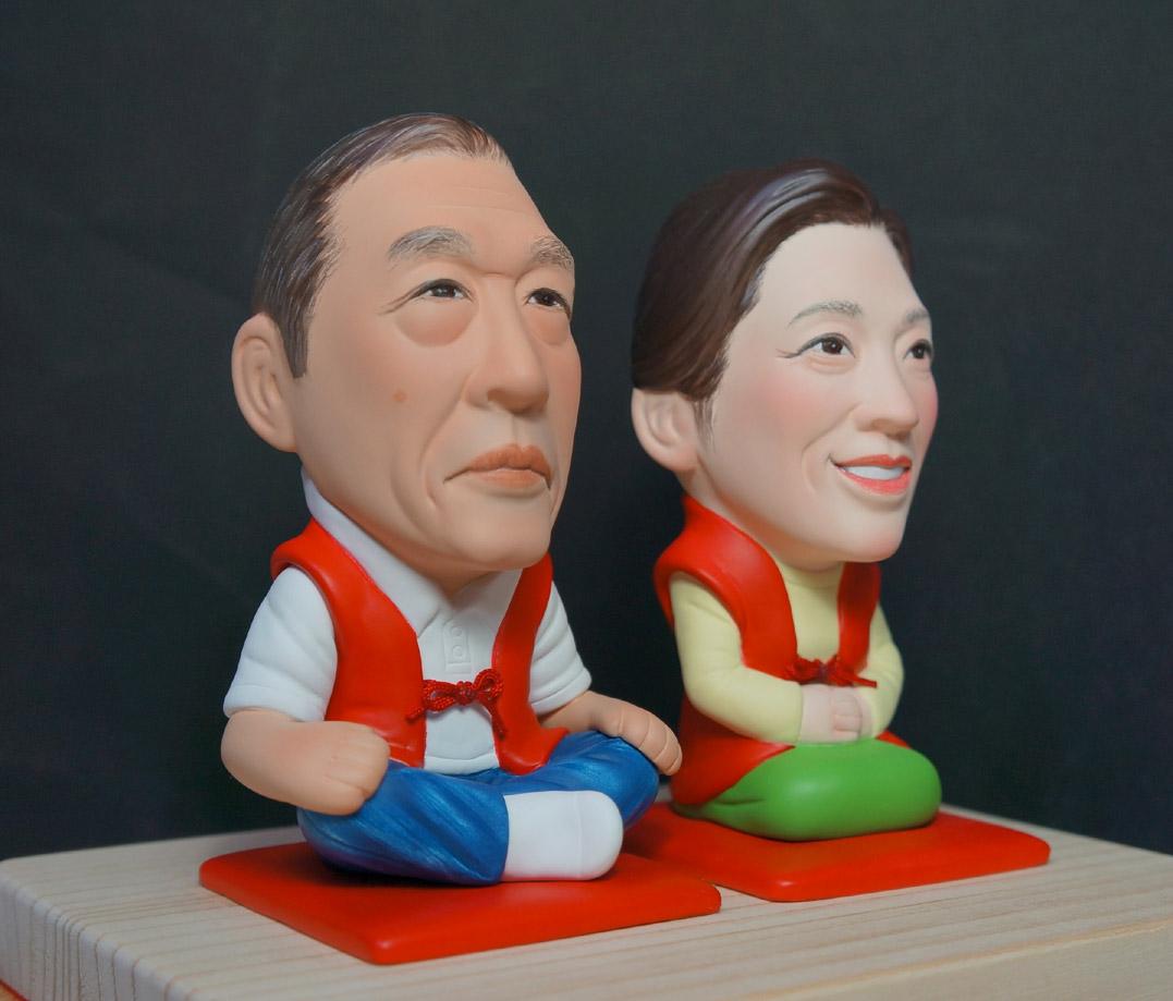 還暦のお祝い(赤い座布団&ちゃんちゃんこ)-そっくり人形参考作品例-62-2