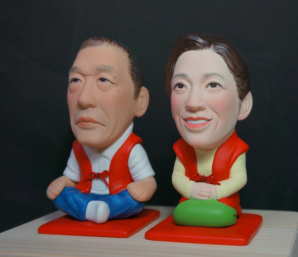 還暦のお祝い(赤い座布団&ちゃんちゃんこ)-そっくり人形参考作品例-62-3